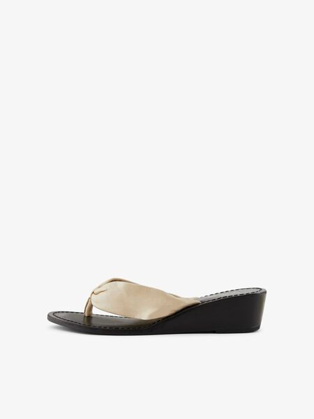 YASSALI LEATHER SANDALS